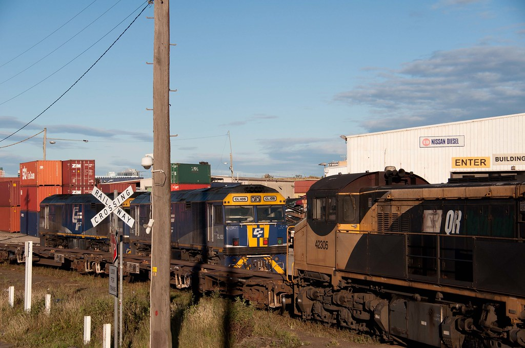 QRN's 42305 shunts at Port Shipping Containers Terminal - Sydney by John Cowper