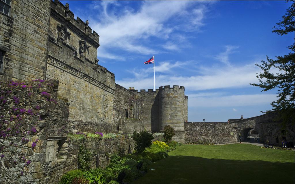 スターリングとエディンバラ城を訪問  インリングアエディンバラ