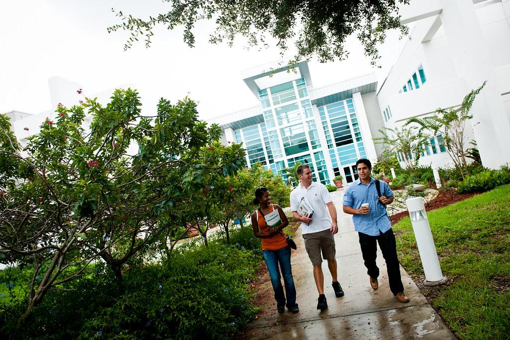 Palm beach gardens campus the bioscience technology - Palm beach state college gardens campus ...