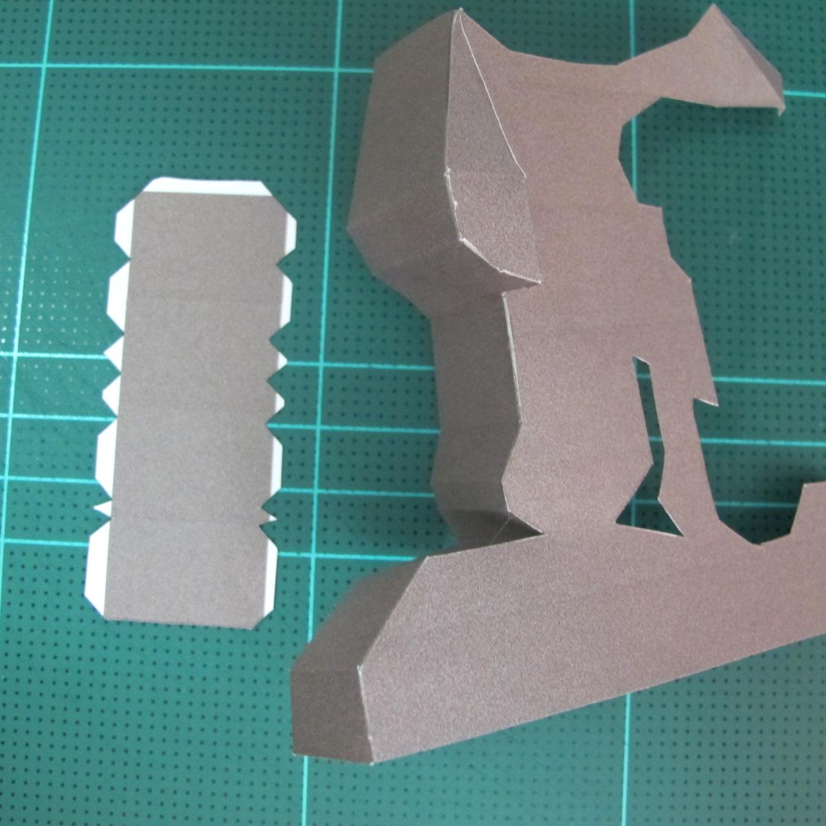 วิธีทำโมเดลกระดาษ ตุ้กตาไลน์ หมีบราวน์ ถือพลั่ว (Line Brown Bear With Shovel Papercraft Model -「シャベル」と「ブラウン」) 007