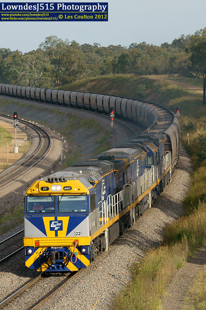 CF4402, CF4403 & CF4401 at Minimbah by LowndesJ515
