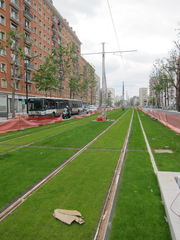 Grassed track T3 extension