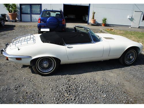 Jaguar_E-Type_weiss_schw_persenning_04   by ck-cabrio_creativelabs