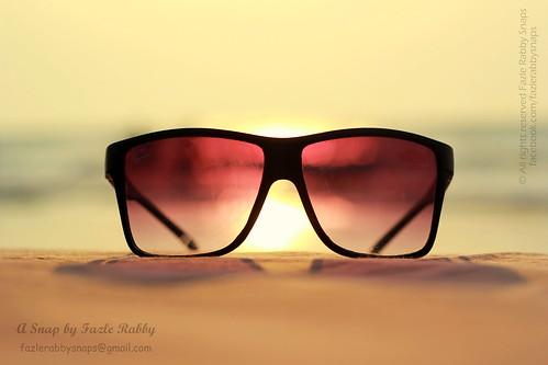 SEA, SUN & GLASS