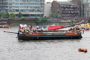Thames Diamond Jubilee Pageant - Spider.T | by pslg05896
