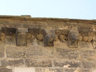 Iglesia de Santa María Magdalena - Canecillos 2   by albTotxo