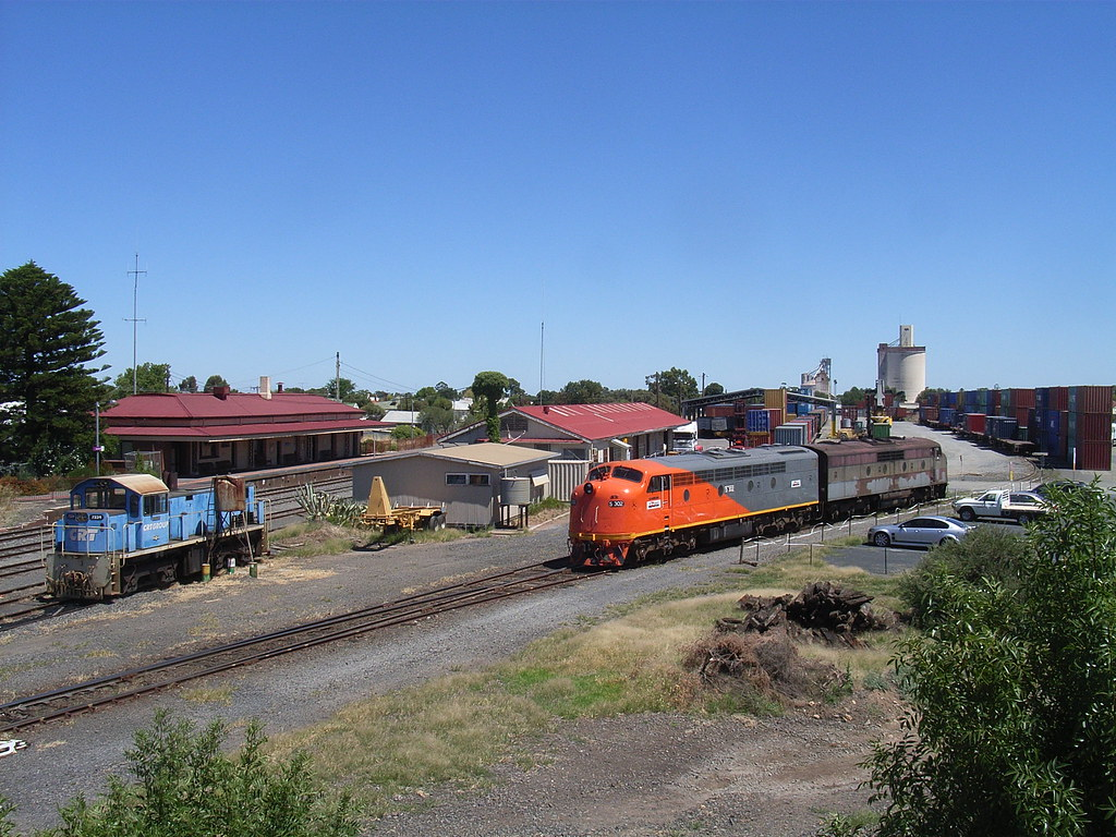 7334, S302 and GM36 stabled at WCL by bukk05
