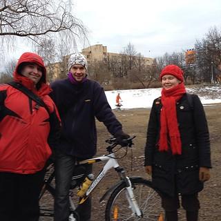 Активисты по уборки на велосипедах #часземли #петрозаводск #earthhour #velove #beff #beffest