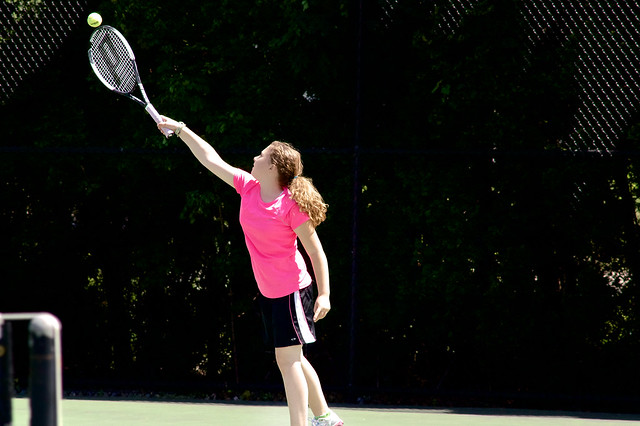ellie_tennis_outside