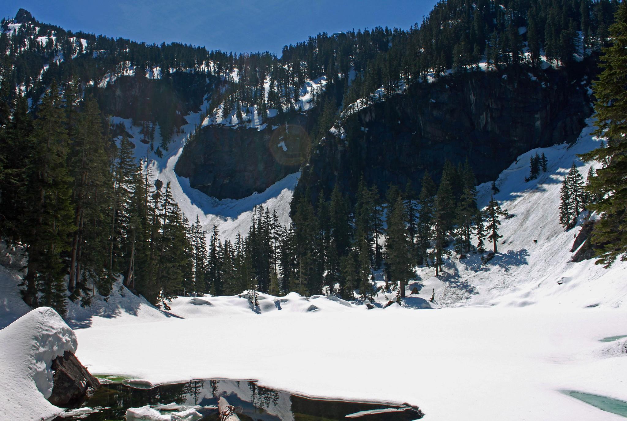 Rainy Lake below Preacher Mountain