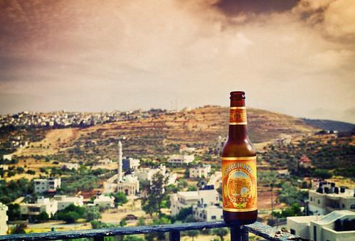 beer golden palestine westbank territories palestinian taybeh vestbredden jifna