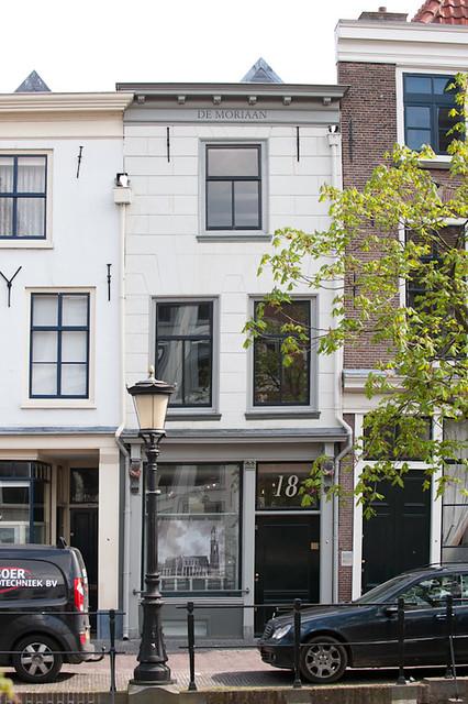 Huize 'De Moriaan', Oudegracht 18, een voormalige apotheek. Foto: Anna van Kooij.