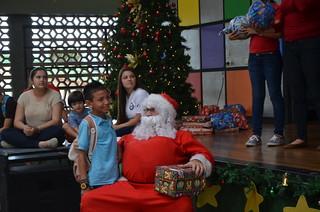 Al evento asistió Santa Claus a repartir los regalos
