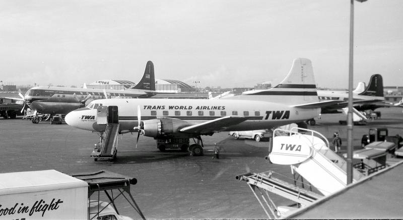 Chicago Midway Airport - TWA - Martin 404