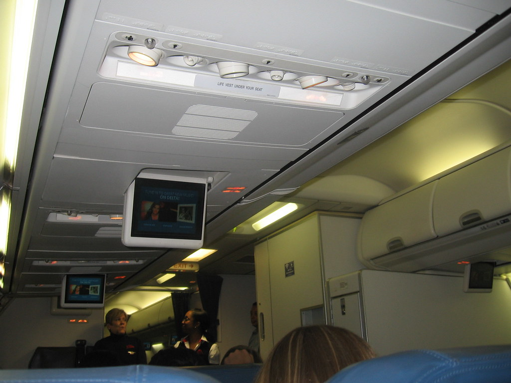Delta 757 300 Cabin From 18a Fll Atl A Very New And Fresh Flickr