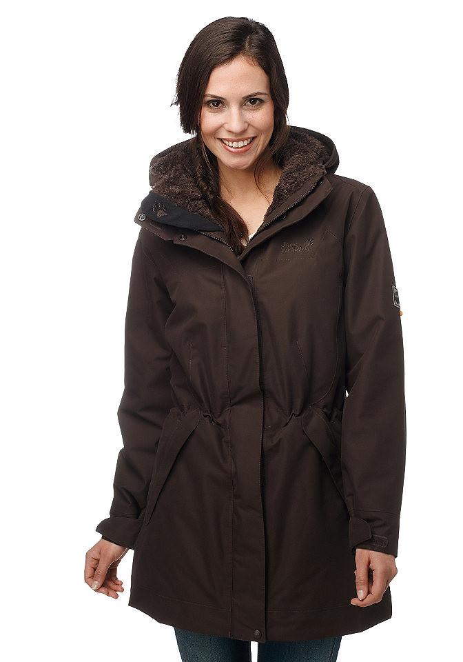 woman in brown Jack Wolfskin 5th Avenue coat | ShinyNylonFan