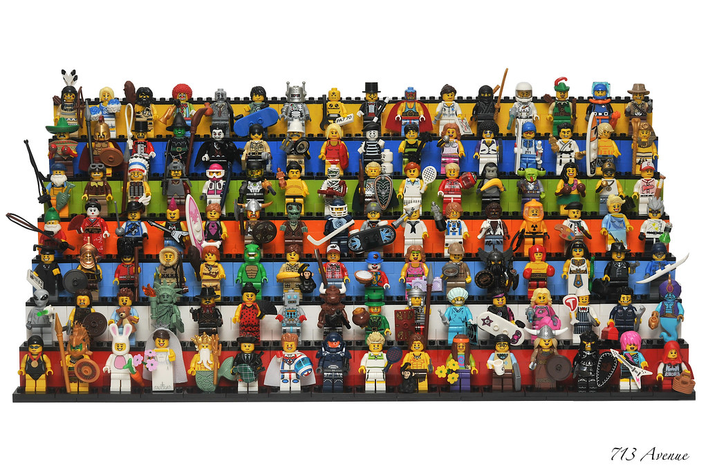 Lego Collectible Minifigure Series 2 8684 series 13 series 5  EGYPTIAN FAMILY