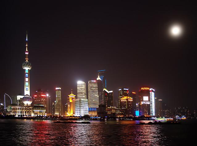Shangái a la luz de la luna llena -