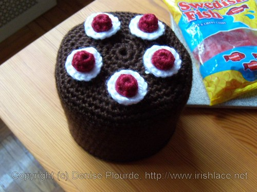 blackforestcake-toiletpaperrollcover-crochet | by irishlacenet