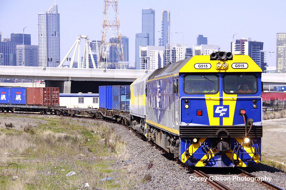 G515 & RL309 shunting duties in Melbourne by Corey Gibson