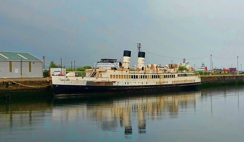 TS Queen Mary 3 | by Dave Trott