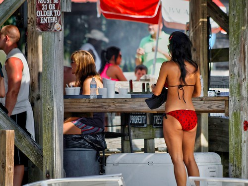 tickfawriver river water lakemaurepas boating louisiana canonef70300mmf4556isusm 300mm propstop party bikini girl summerfun mrgreenjeans gaylon gaylonkeeling