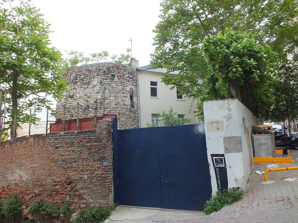Genova wall - GardenTower