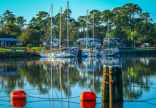camping usa seascape nature sailboat landscape boats outside outdoors photo florida outdoor stuart photograph photoraphy mooring tropical campground moored okeechobeewaterway stlucielockdam