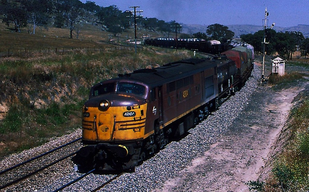 Freight from Melbourne Vic to Sydney NSW at Gunning by Rodney S300