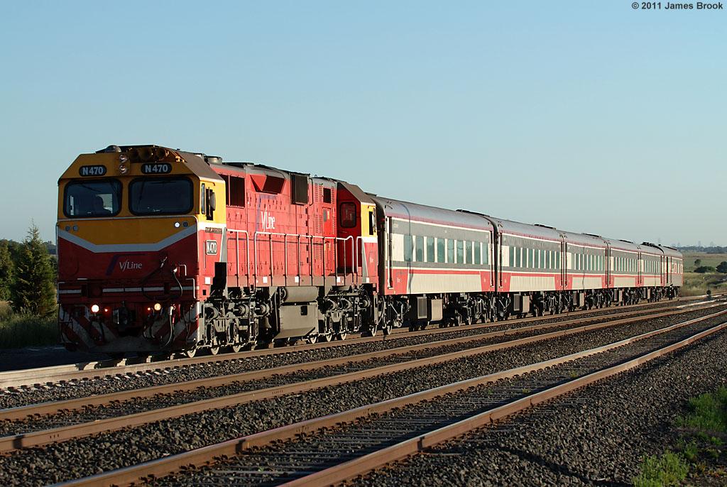N470 at Beveridge with 8625 by James Brook