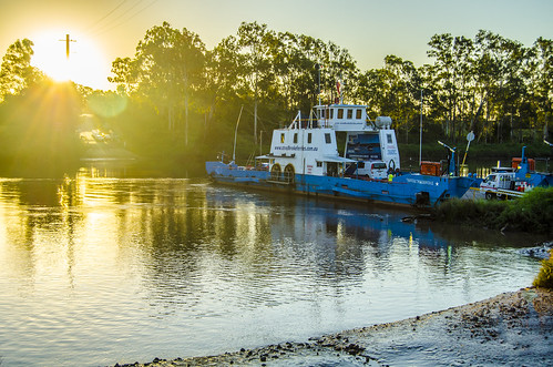 sunset water weather boats brisbaneriver waterreflections moggill sunsetsandsunrisesgold