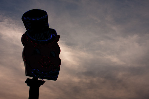 sunset history minnesota lights neon drivein hastings canonef35mmf2 mn stp porkys canon40d littleloghousepioneervillage