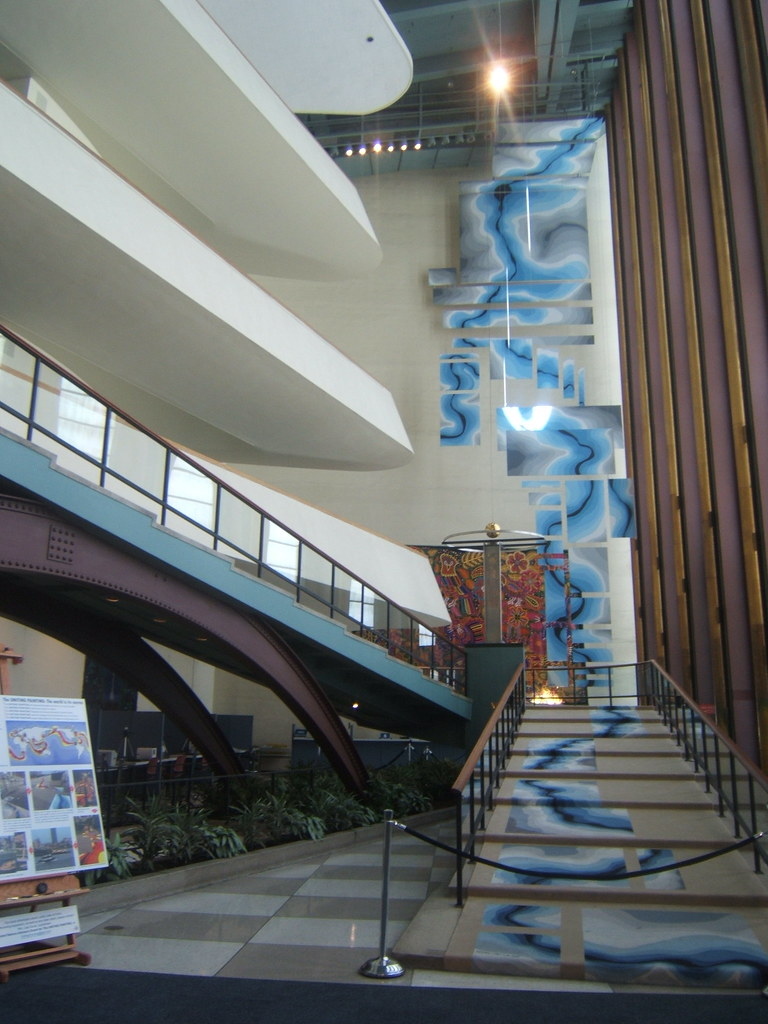 Wondrous United Nations Stairs This Is Just Inside The United Natio Home Interior And Landscaping Ponolsignezvosmurscom