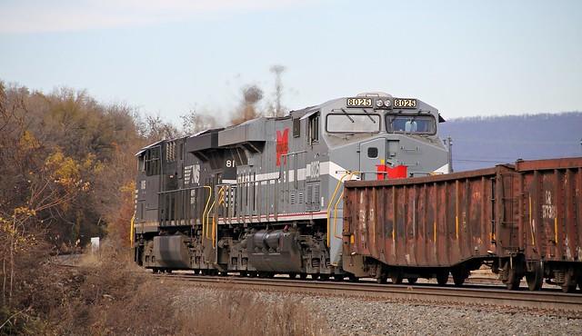 NS 8025 MGA Heritage ES44AC