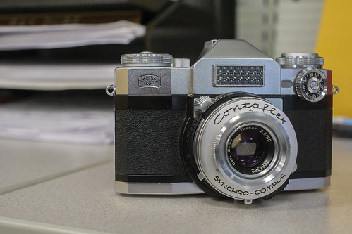 CCR Review 57 – Zeiss Ikon Contaflex Super (Old) – Alex