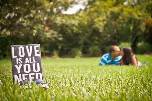 life park family summer two people woman man male love nature girl grass horizontal canon happy 50mm couple message adult pareja bokeh outdoor amor romance lovers personas relationship together frame casual hispanic concept conceptual f18 lying ef50mmf18ii loveisallyouneed 500d lvm lavueltaalmundo t1i