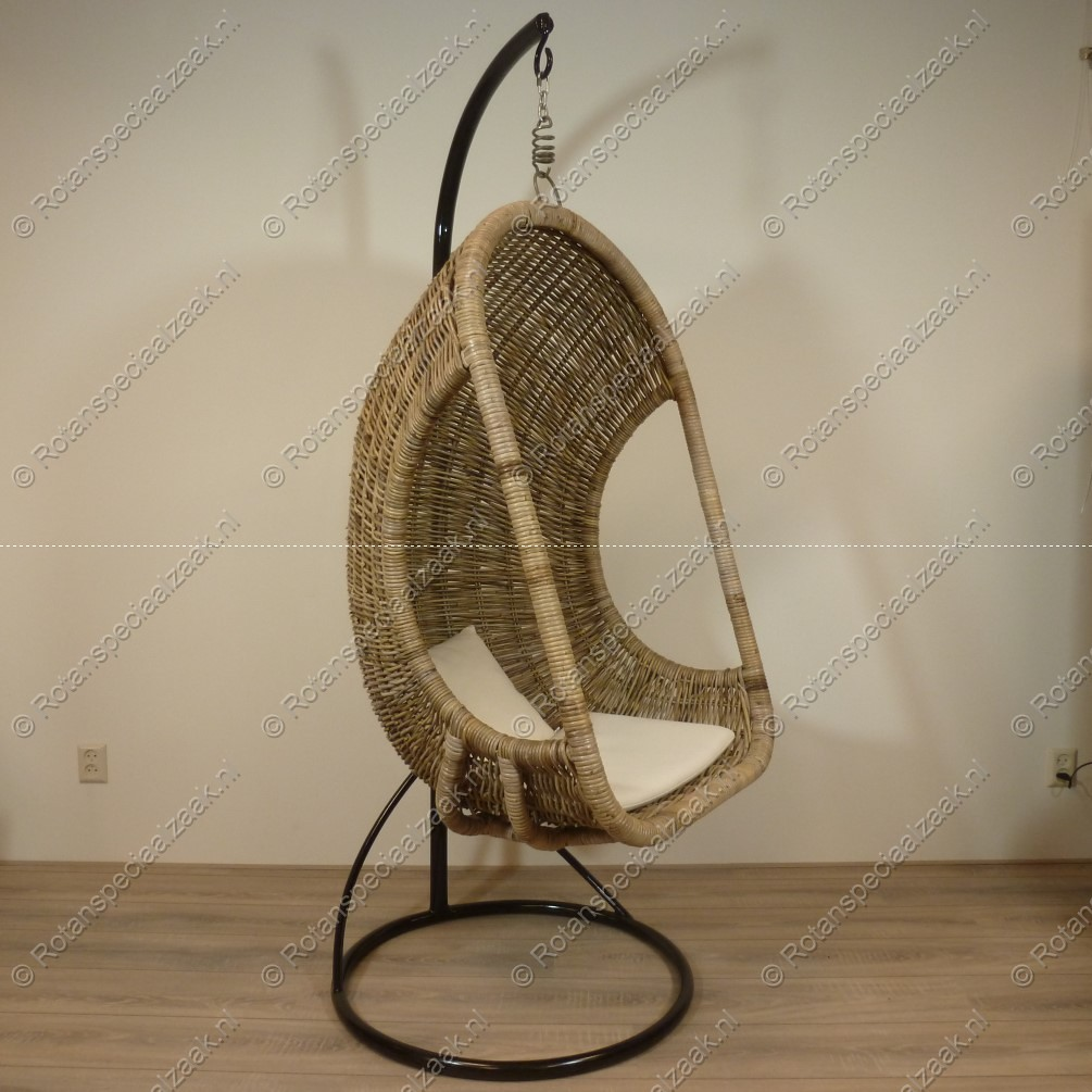 Hangstoel Egg Chair.Hangstoel Eggchair Rotan Kubu Grey Rieten Stoel Met Standa Flickr
