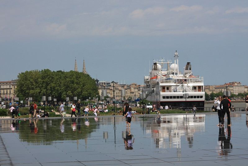 Reflection - Accostage du Paquebot Silver Explorer à Bordeaux - 12 mai 2012