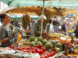 French market | by www.thegoodlifefrance.com