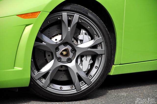 Verde Ithaca Lamborghini LP560-4 Spyder