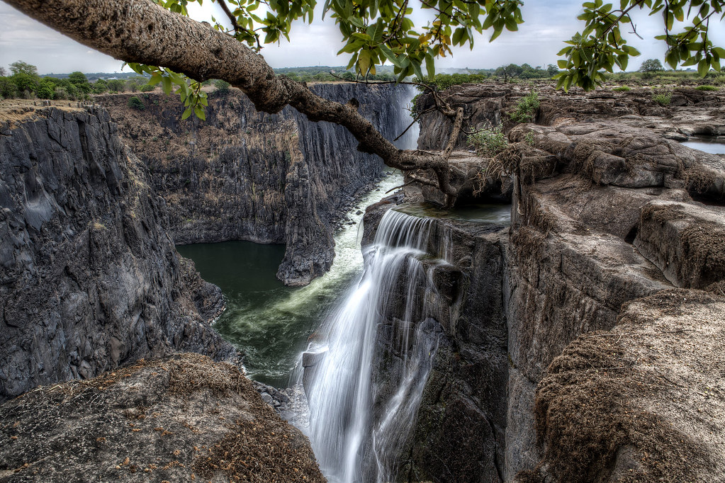 Massive Dam Threatens Spectacular Gorge Downstream of Victoria Falls
