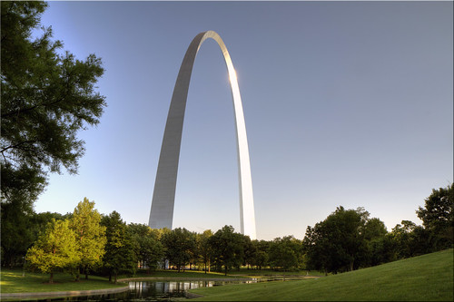 blue sunset sky monument st river louis memorial day arch steel mo clear missouri 100views gateway manmade riverfront stainless polished 2123 tallest mississipi 2122 glinting 2121