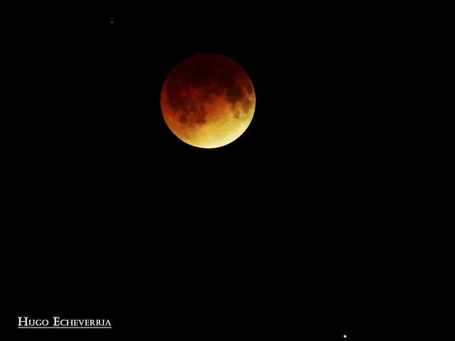 Eclipse total de Luna, Acompañada de Marte  Hora 01:16 am