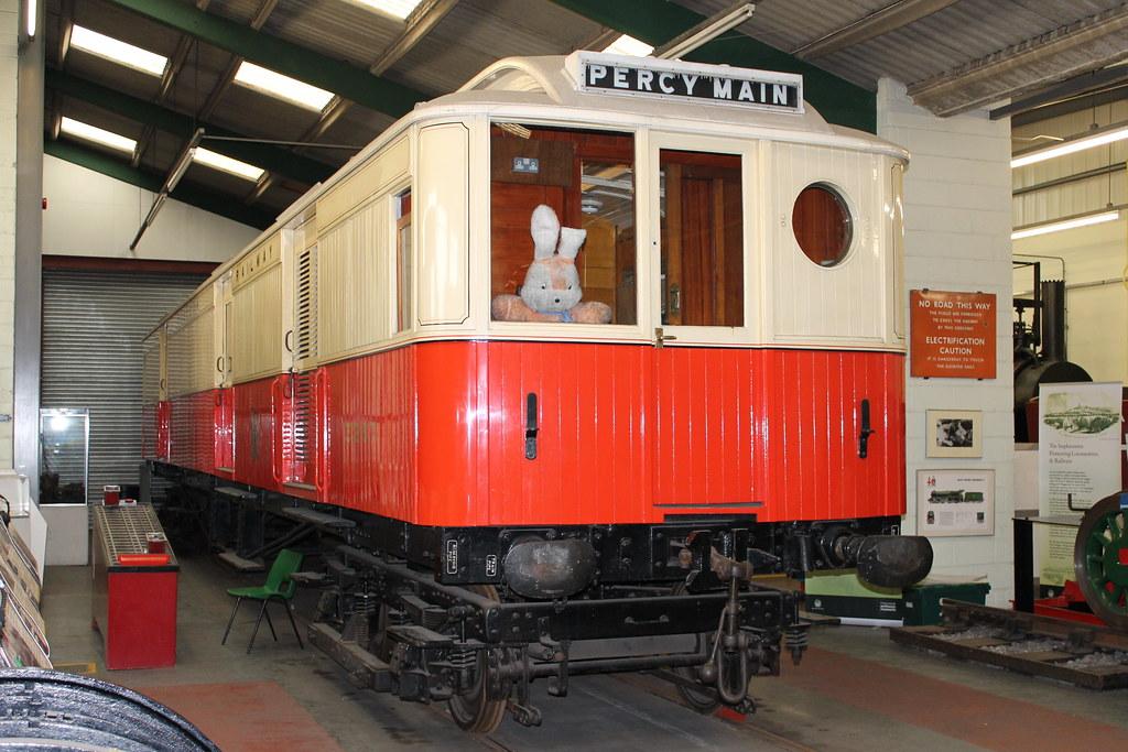 NER Electric Motor Luggage Van: 3267 Stephenson Railway Museum