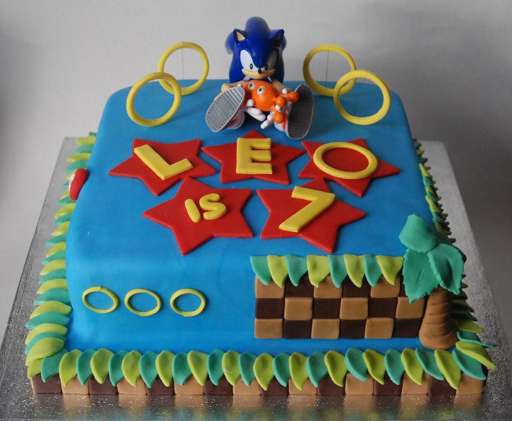 Marvelous Sonic Birthday Cake Lorraine Mccarroll Flickr Funny Birthday Cards Online Elaedamsfinfo