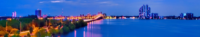Panoramic view of the skyline of Fort Myers, Florida U.S.A. along the banks of the Caloosahatchee River