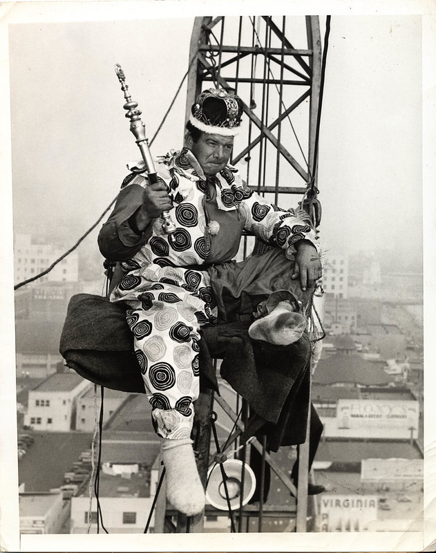 1948 viiii 05 Anon for Acme Los Angeles - Ozzie Hamilton Osborne king of flagpole sitters