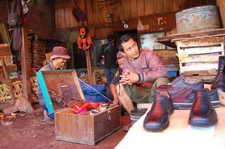 Shoes Service   by Ikhlasul Amal