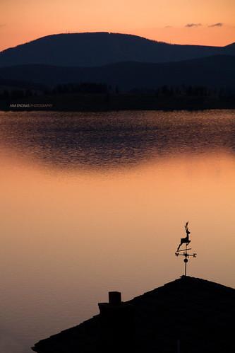 morning mountain lake sunrise lago dawn cabin agua montana montaña cabaña raindeer venado anaencinas