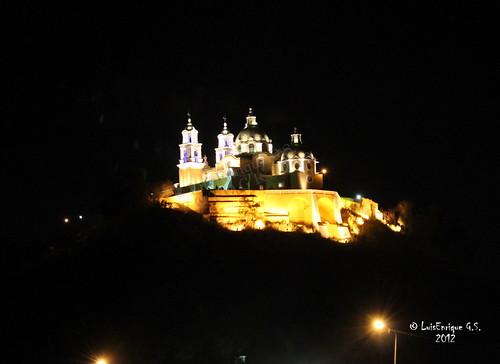 Santuario Virgen de los Remedios Cholula (Chollolan) - De Noche -  Puebla, México